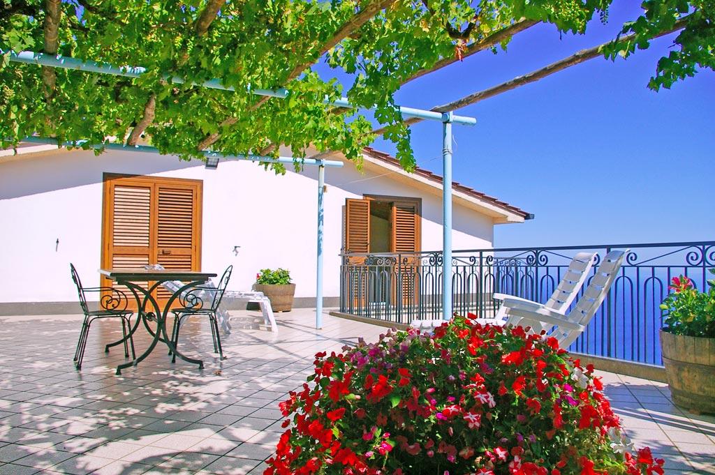 Affitto casa vacanze costiera amalfitana furore appartamenti for Piani casa costiera